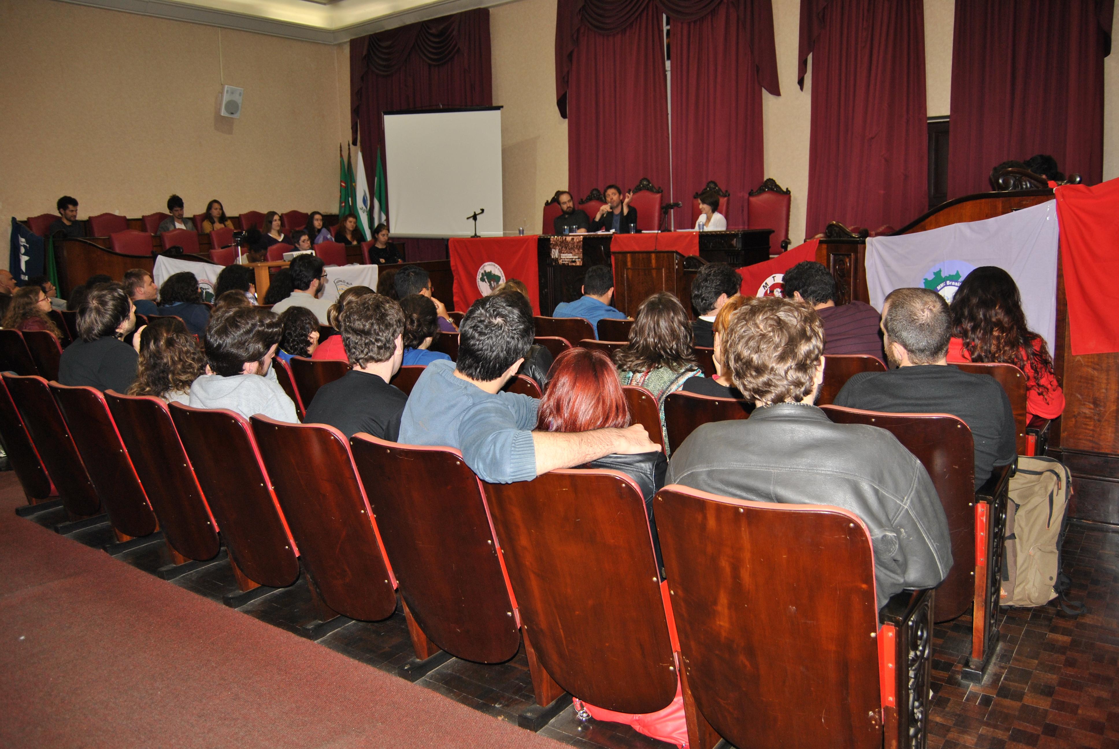 Movimentos sociais estão educando e conscientizando o sistema jurídico brasileiro