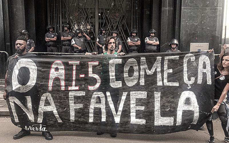 BRASIL DE FATO – Paraisópolis e Dendê: mais uma conversa com corpos negros abatidos
